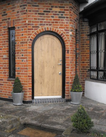 0025 Burglary resistant arched front door 349 451 90 - Arched doors, a double design statement!