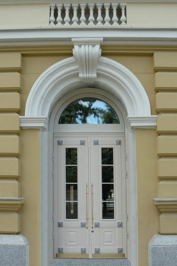 3 683x1024 - Arched doors, a double design statement!