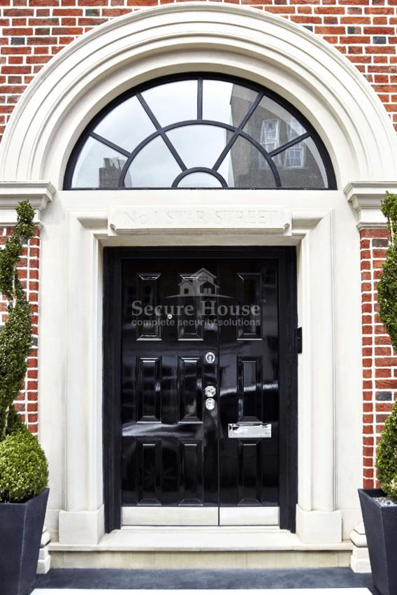 0006 - Communal entrance doors: low price/maintenance, high life expectancy