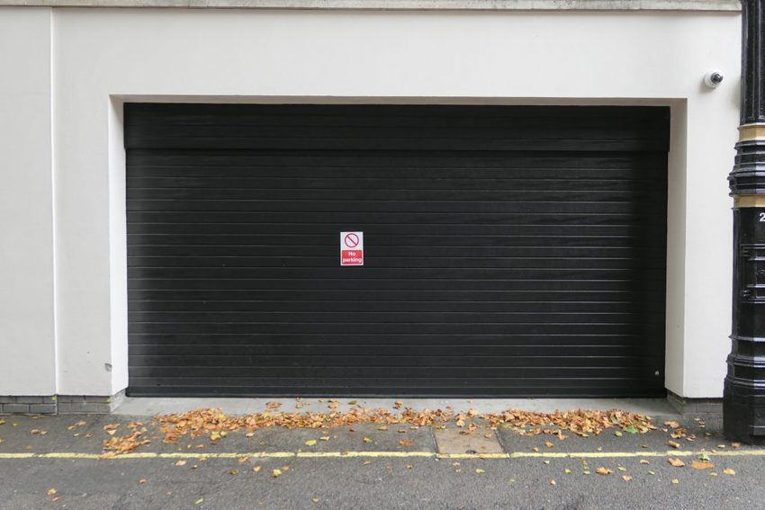 P1470137 1024x683 - Sectional garage doors: durable and value for money