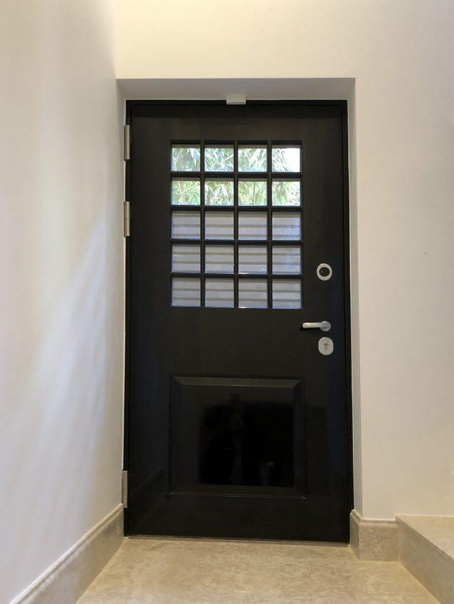 Side security door