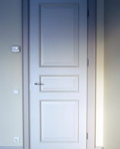 Painted_door